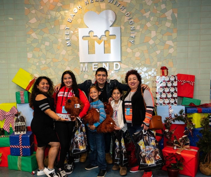 """Universal Studios Hollywood Team Member Volunteers Bring Heartfelt Holiday Cheer at 28th Annual """"Christmas in Spring"""" Philanthropic Event at MEND in Pacoima"""